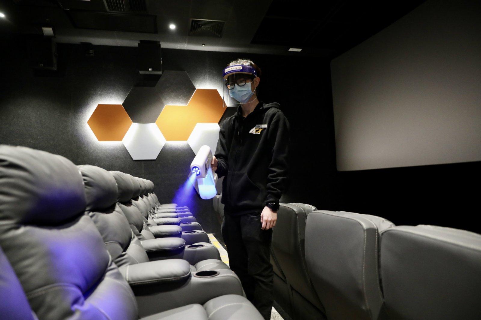 戲院亦有採取防疫措施,例如加強消毒清潔等。  (大公文匯全媒體記者 攝)