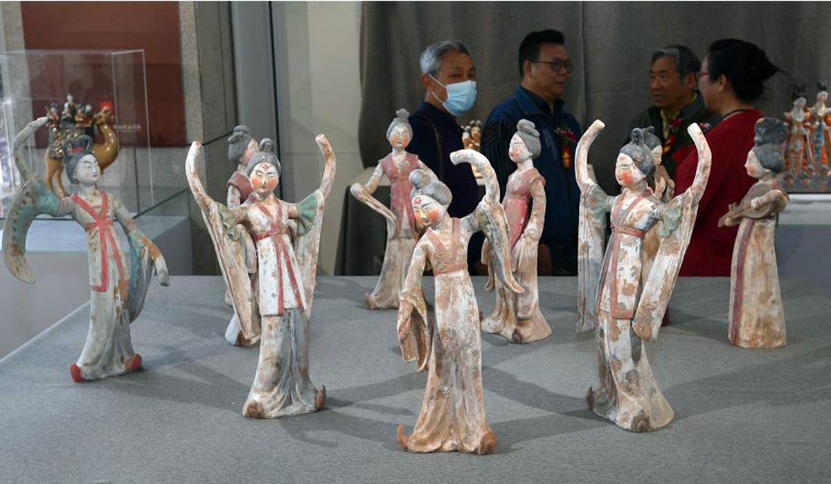 展覽人偶作品造型生動(香港文匯網記者馮雷攝)
