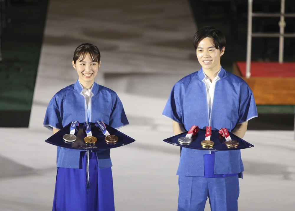 圖為東奧會示頒獎志願者禮服。(新華社資料圖片)