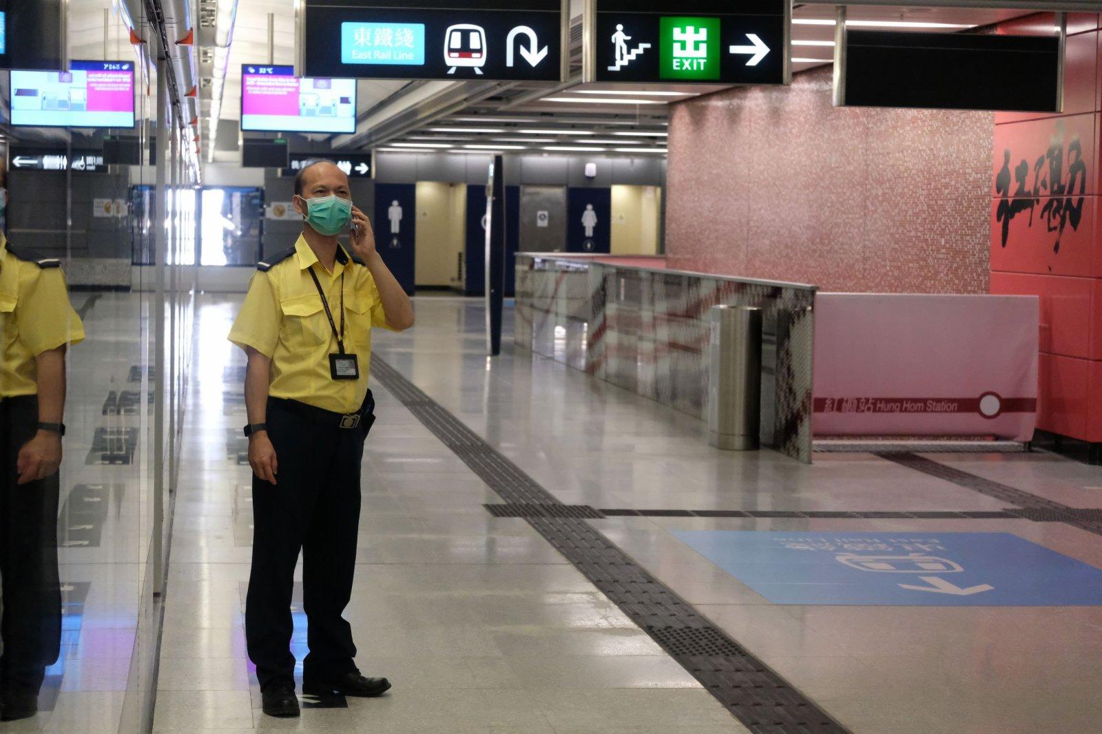 紅磡車站大堂會更新設施,包括重新布局並採用白色設計,令大堂更光猛和時尚。(大公文匯全媒體記者 麥鈞傑 攝)