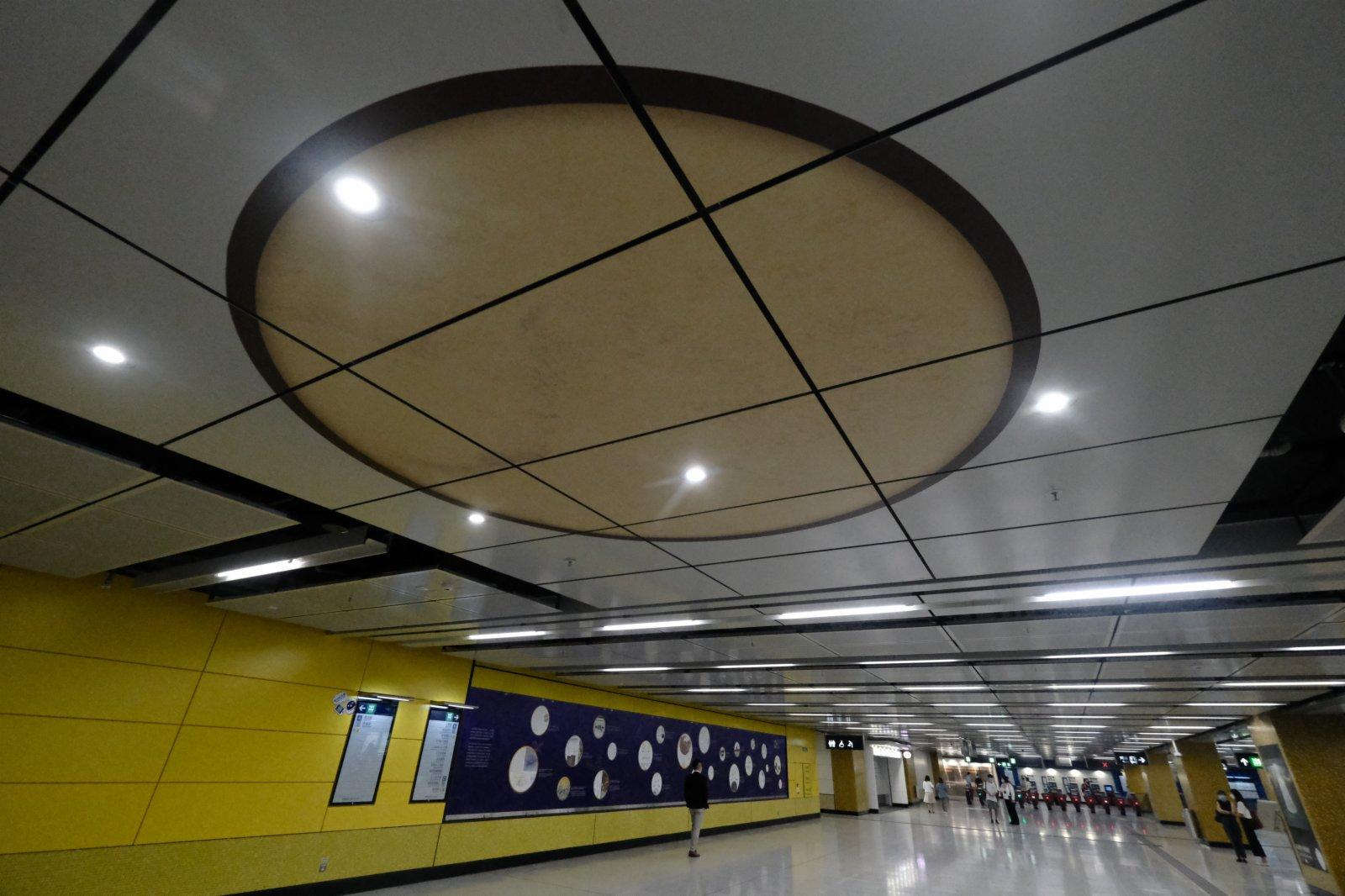宋皇臺站車站大堂部分頂蓋將會換成透明底板,乘客可仰望觀賞古井的底部。(香港文匯報陳大文攝)