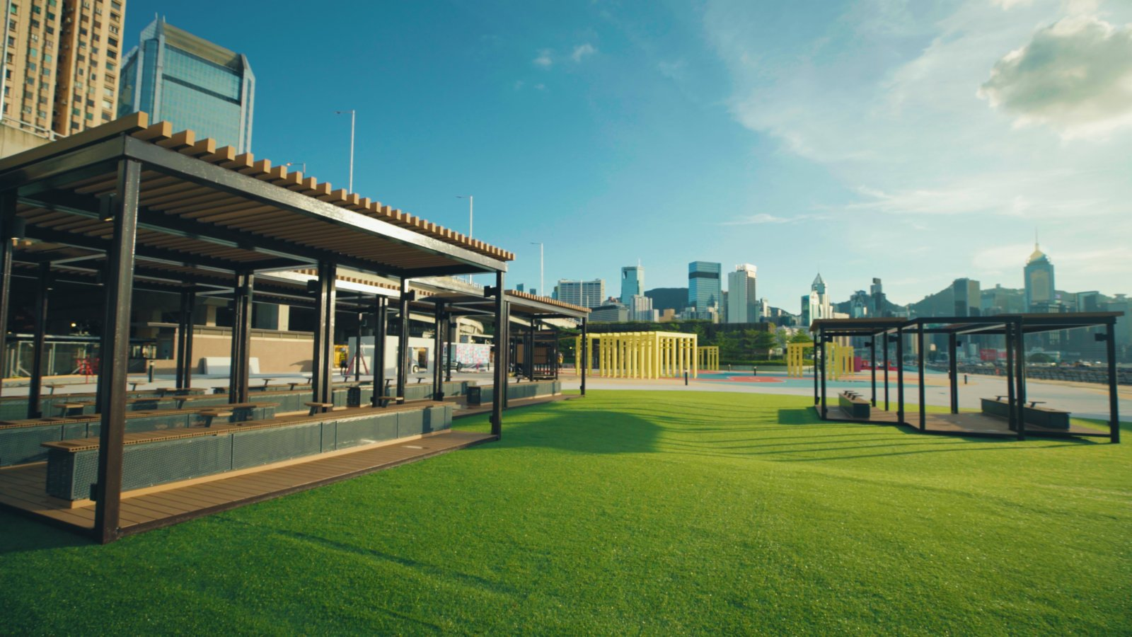 主題區設有草地、座椅、遮陽設施等供市民享用。(政府新聞處)