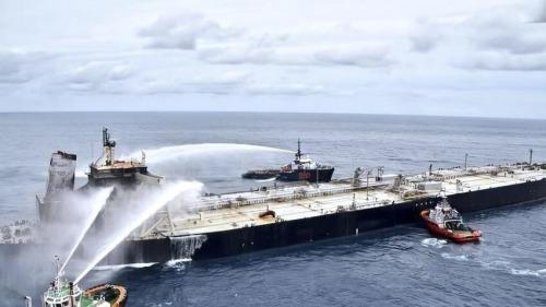 圖集 斯里蘭卡:起火油輪火勢得到控制沒有漏油風險