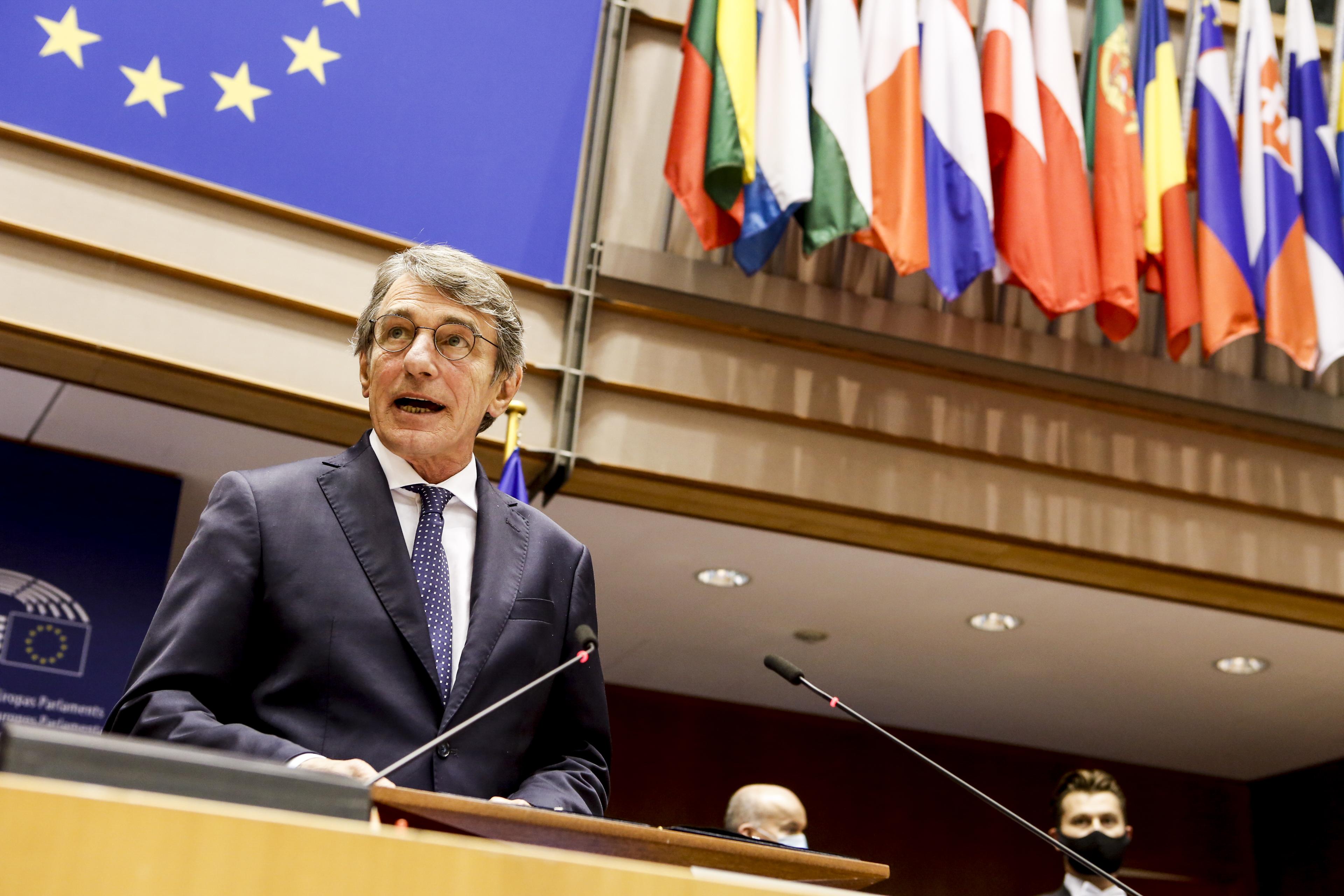 10月8日,歐洲議會議長薩索利在推特上表示,因身邊一名工作人員當天新冠病毒檢測結果呈陽性,他決定開始自我隔離。圖爲10月5日薩索利在比利時布魯塞爾歐盟總部。( 新華社)