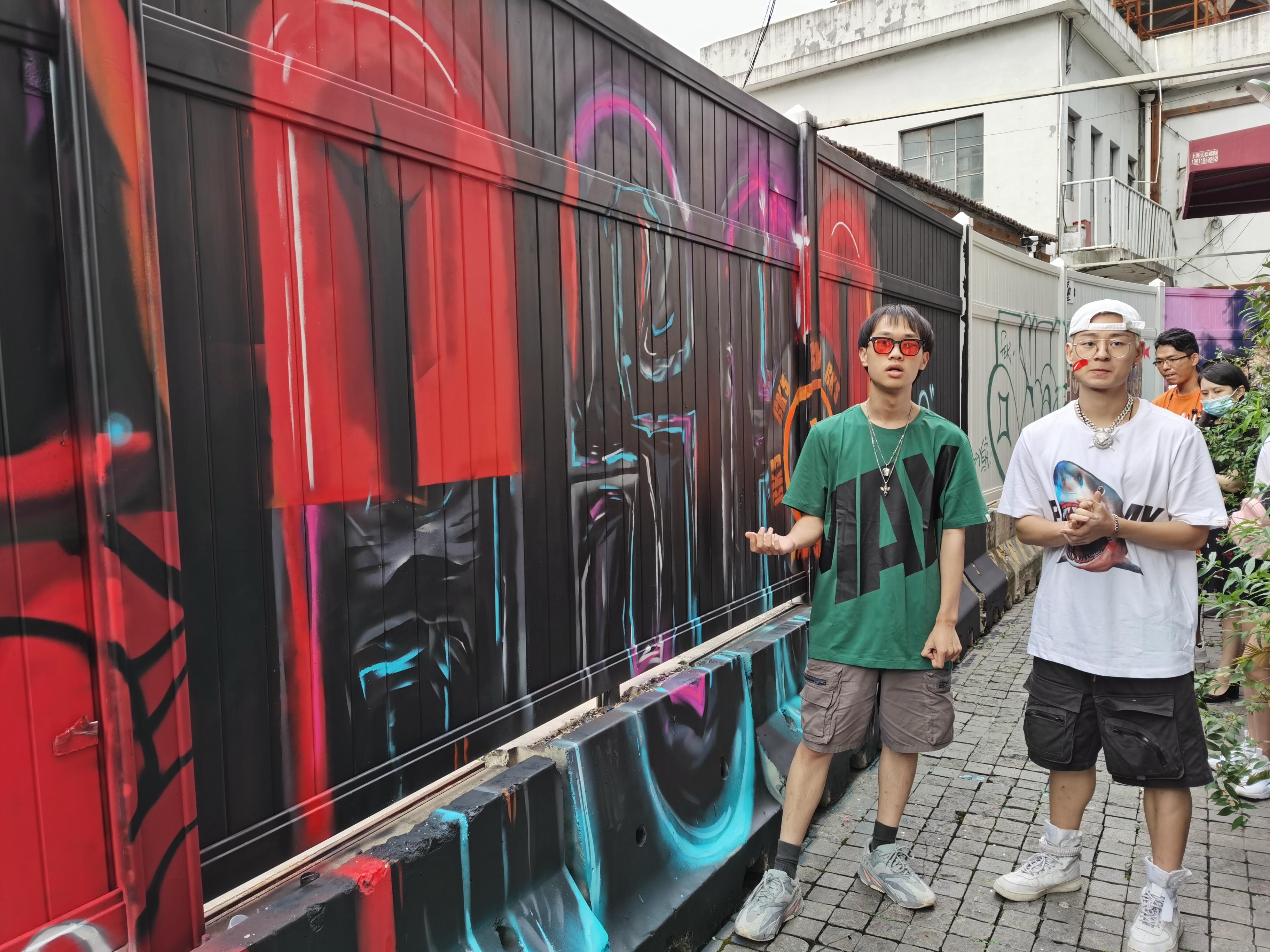 青年藝術家們視塗鴉為與國際交流的新平台(大公文匯全媒體記者 張帆 攝)