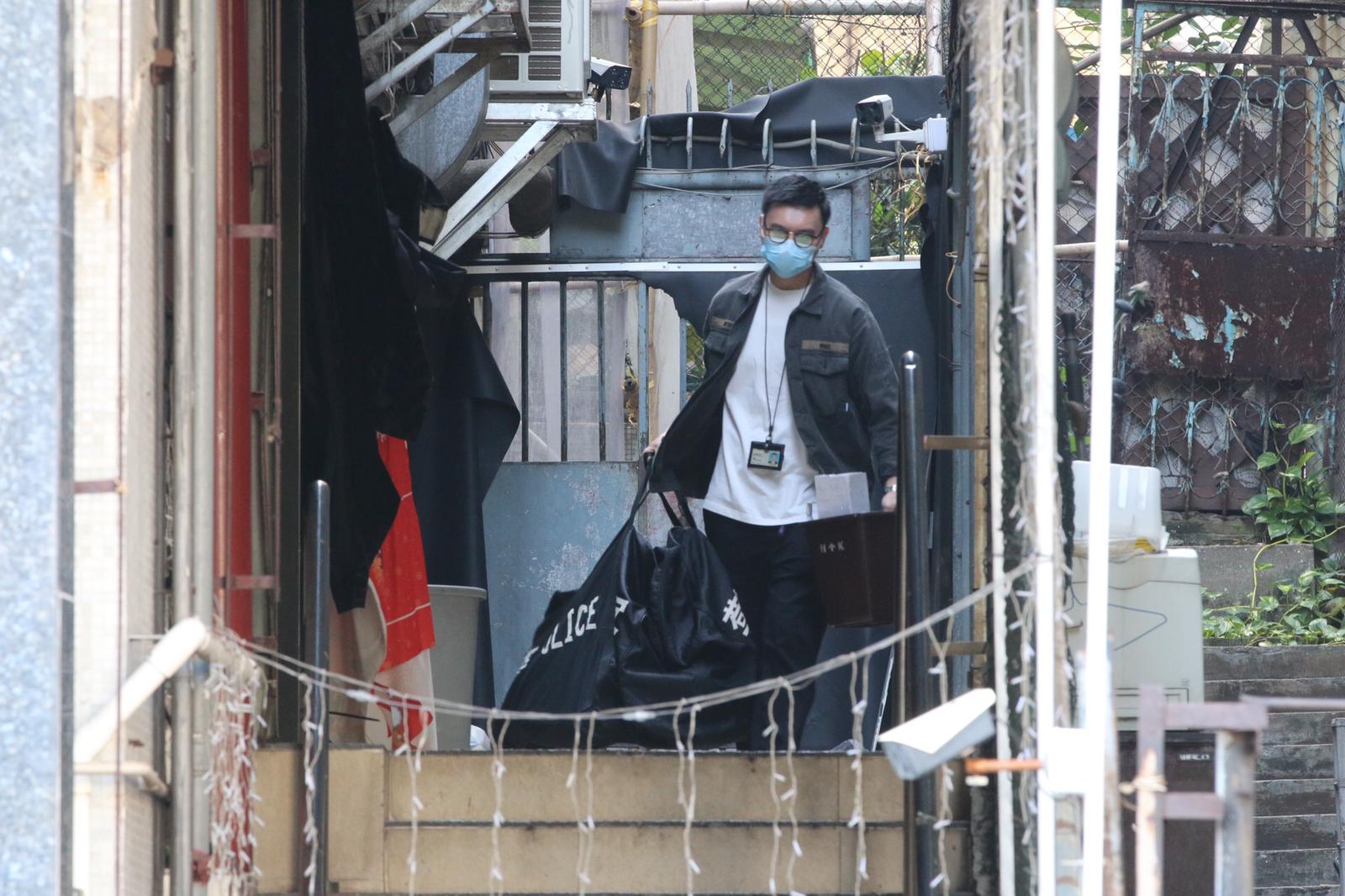 警方此前指經初步調查相信,是兩批不同黑幫背景的人,在酒吧消遣期間發生肢體碰撞發生口角,繼而動武,再用場內硬物互相毆鬥。(大公文匯全媒體記者攝)