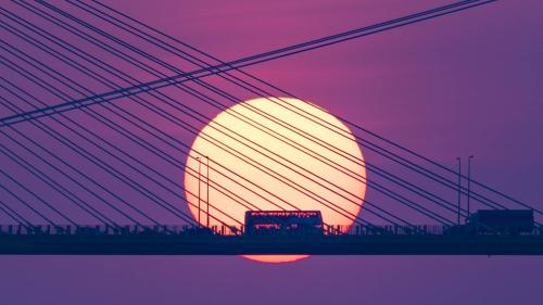 數百名攝影愛好者拍攝香港汀九橋落日美景