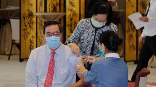 立法會議員接種冬季流感疫苗