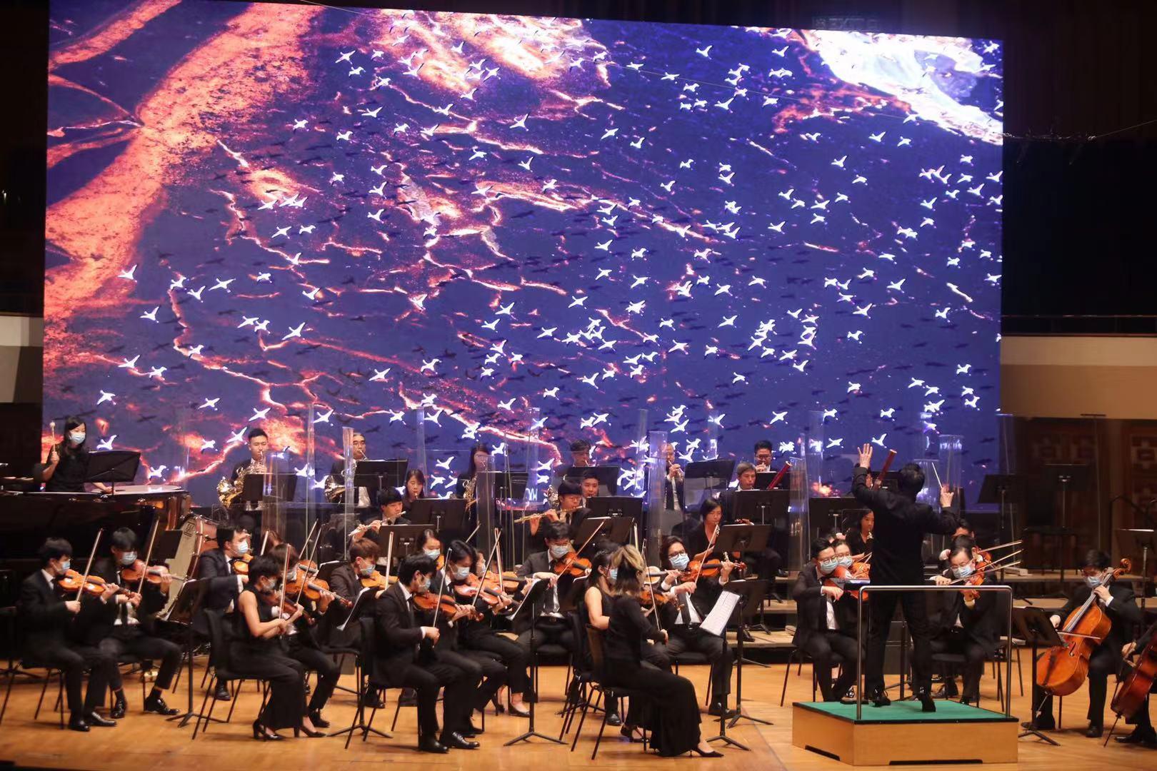 11月18日,中國文學藝術界聯合會香港會員總會成立典禮暨音樂會在香港文化中心音樂廳舉行。(大公文匯全媒體記者攝)