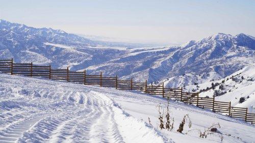烏茲別克斯坦山區的壯麗雪景