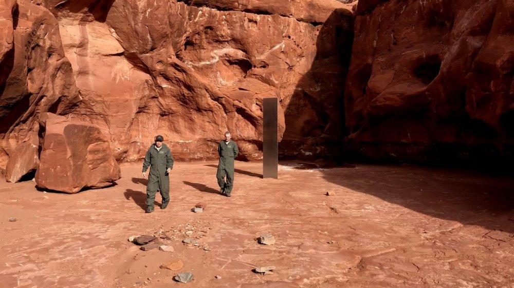 美國猶他州紅岩地區發現來源不明的金屬巨石