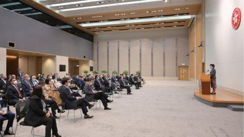 特首向國際社會簡介施政報告 籲把握香港商機