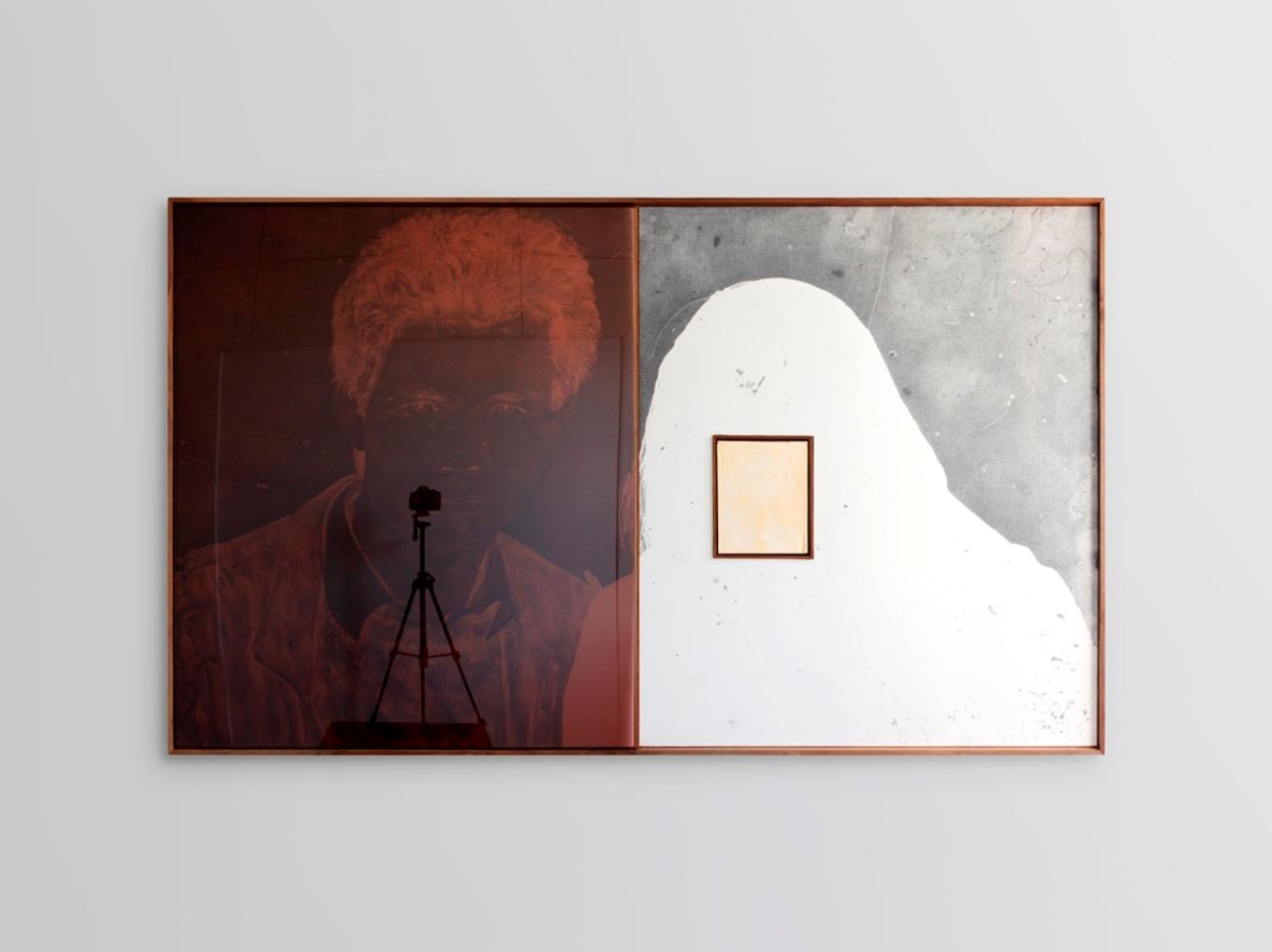 '1987 12 22(2020) 石墨紙本、木框裝裱、塑膠片、石膏 207 cm x 124 cm 鄧廣燊(主辦方供圖)