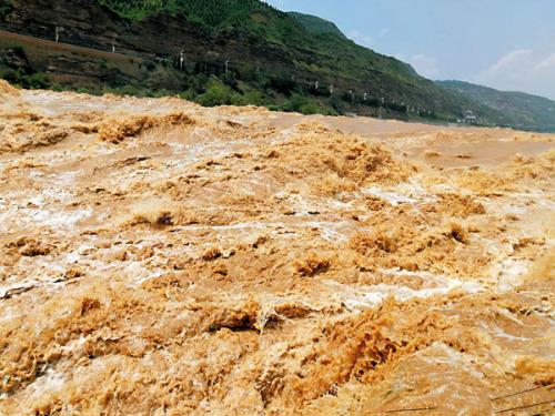 【大地遊走】 中國四大河流行︰黃河中游壺口瀑布