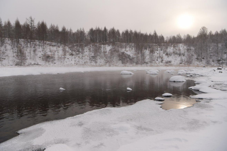 這是1月6日拍攝的內蒙古自治區興安盟阿爾山市境內的「不凍河」。(新華社)