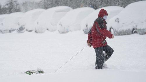 暴風雪導致西班牙馬德里交通癱瘓