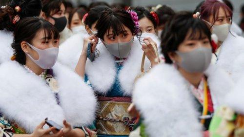 日本疫情中迎來「成人日」 花季男女盛裝出