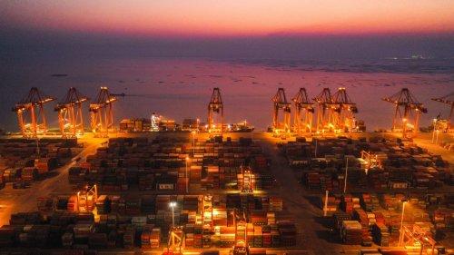 廣西欽州港貨運忙