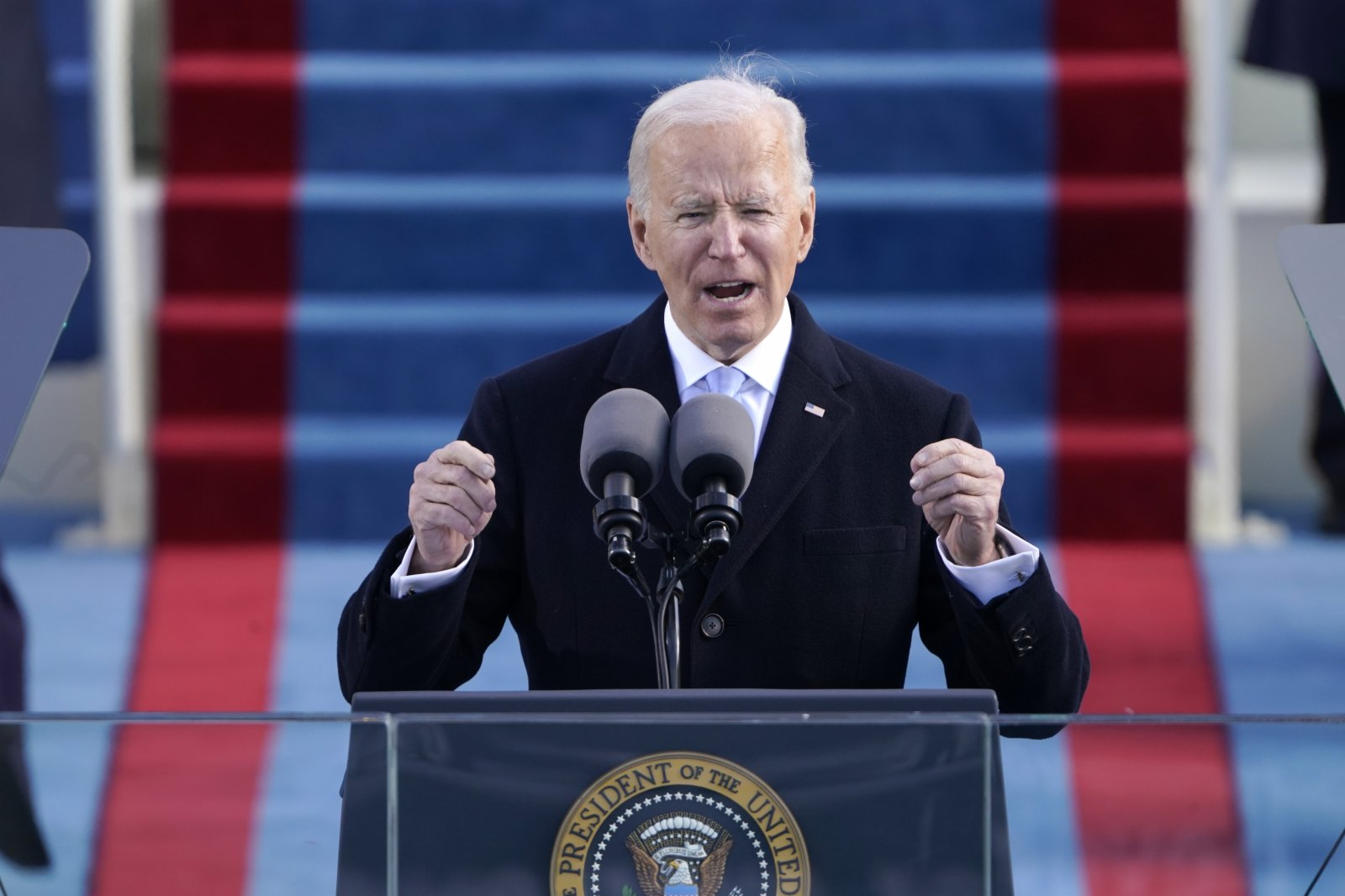 Biden asked visitors to the United States to be quarantined for seven days
