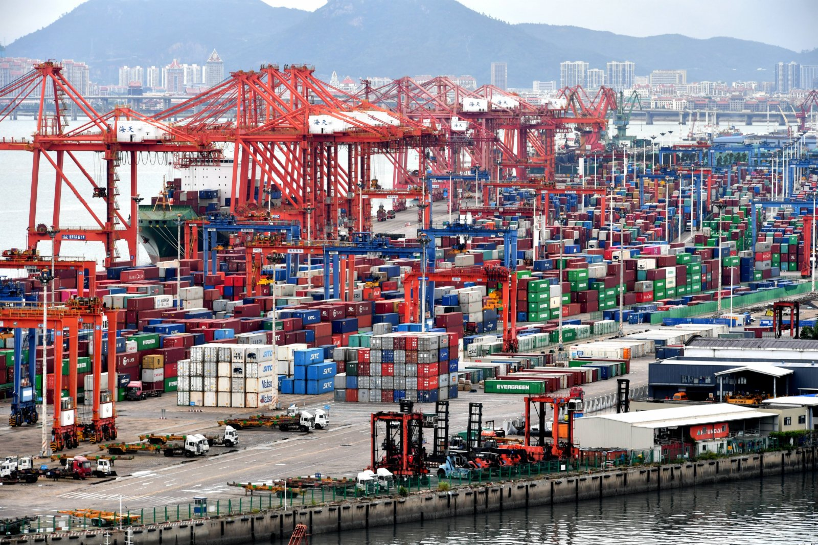 Surpassing Germany, China's current account surplus ranks first in the world