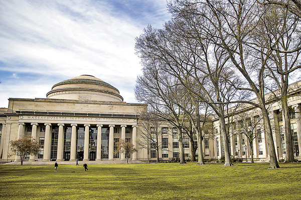 Massachusetts hundred professors jointly Sue Chinese professors for resisting the United States