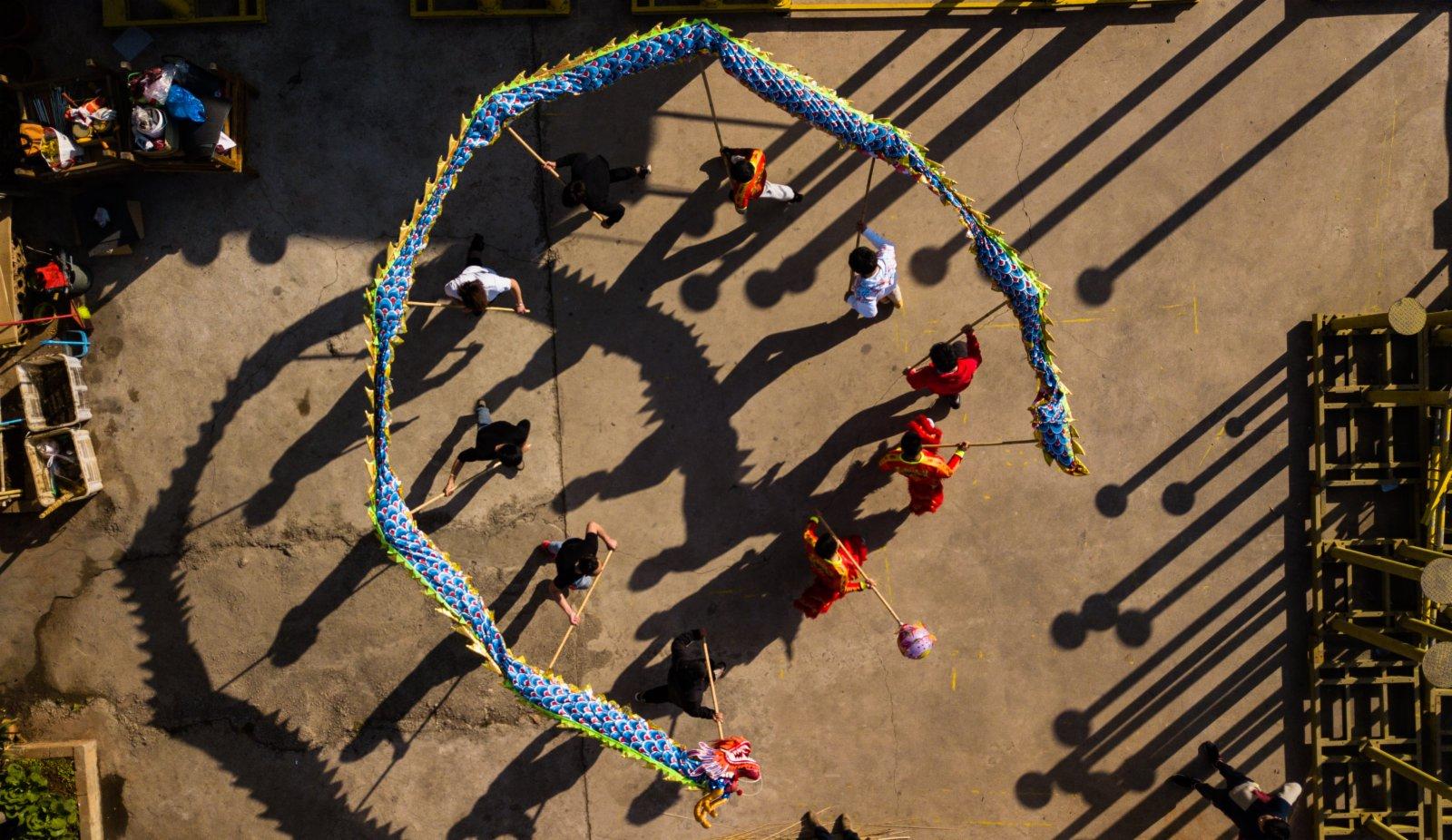 這是2月3日拍攝的舞龍練習(無人機照片)。(新華社)