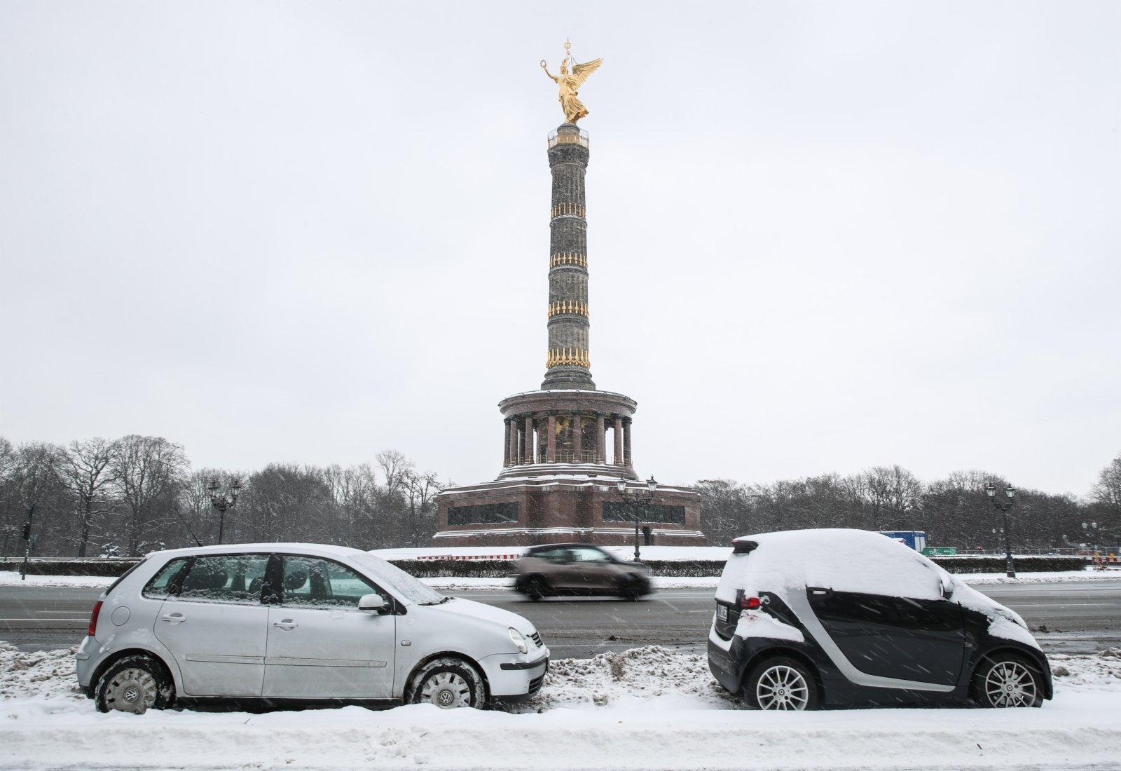 這是2月9日在德國首都柏林拍攝的勝利紀念柱。(新華社)