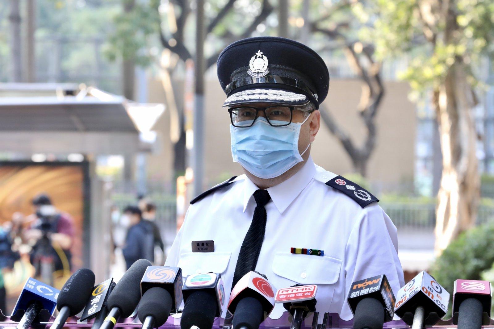入境事務處處長區嘉宏表示,前線同事經常需要接觸不同市民,紀律部隊接種疫苗能夠保障成員和市民,亦可以起到鼓勵作用,呼籲市民積極接種疫苗。他強調,疫苗是香港社會復甦的一劑「強心針」,如今全世界疫苗供應緊張,港府能在這樣的情況下提供安全有效的疫苗給市民接種,十分得來不易。大公文匯全媒體記者李斯哲 攝