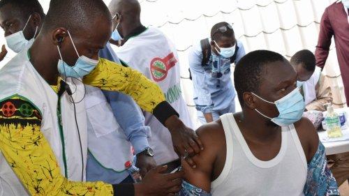 幾內亞啟動中國新冠疫苗接種工作
