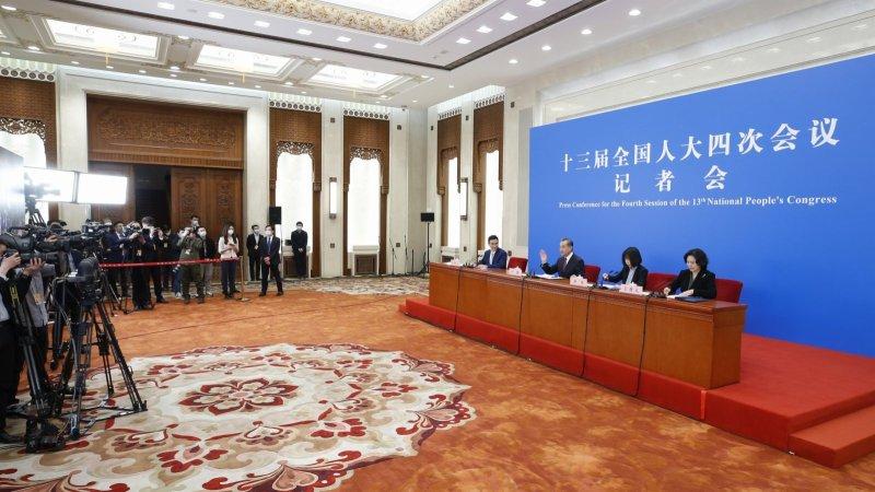王毅就中國外交政策和對外關係回答中外記者提問