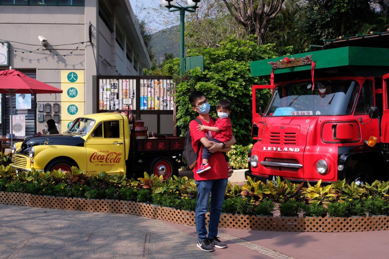 小朋友亦喜歡炫酷的老爺車,現場有不少小朋友與老爺車合照打卡。
