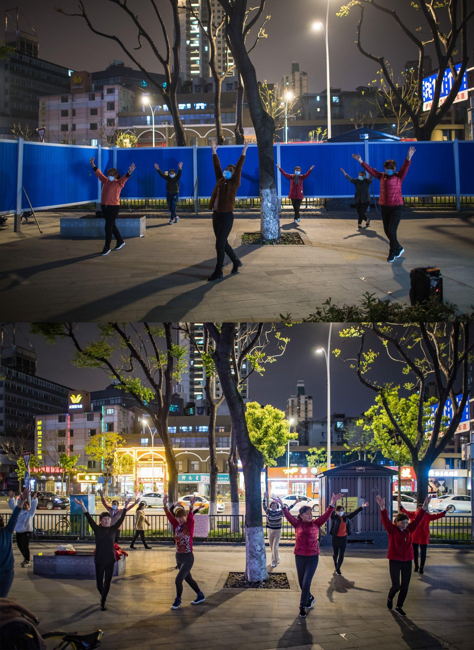 這是一張拼版照片,上圖為:2020年4月2日,在湖北省武漢市江漢區北湖街環保社區,居民在飯後跳廣場舞;下圖為:2021年4月4日,在湖北省武漢市江漢區北湖街環保社區,居民在飯後跳廣場舞。(新華社)