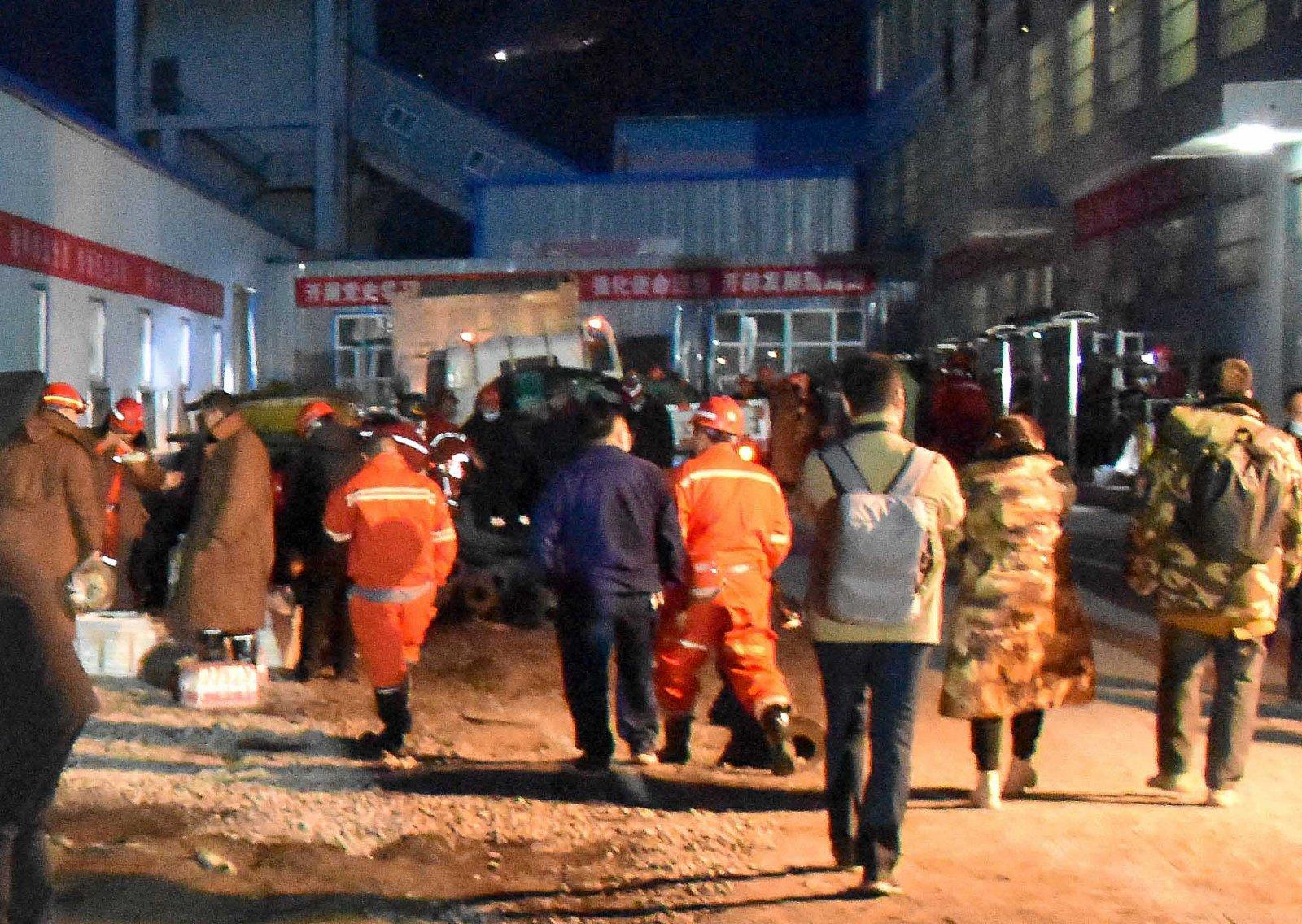 這是4月11日拍攝的新疆昌吉回族自治州呼圖壁縣雀爾溝鎮豐源煤礦事故救援現場。(新華社)
