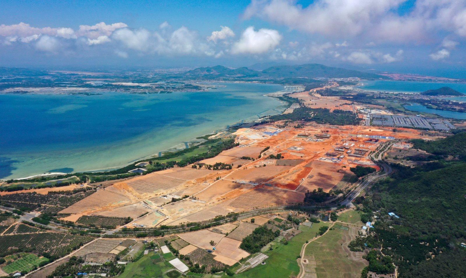 建設中的海南自由貿易港陵水黎安國際教育創新試驗區(2021年4月4日攝,無人機照片)。新華社
