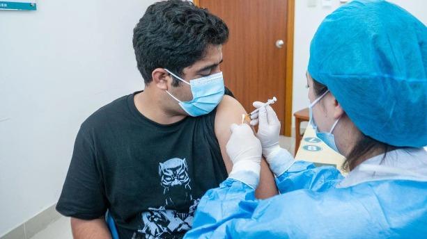 珠海首位接種新冠疫苗外籍人士:很信任中國疫苗