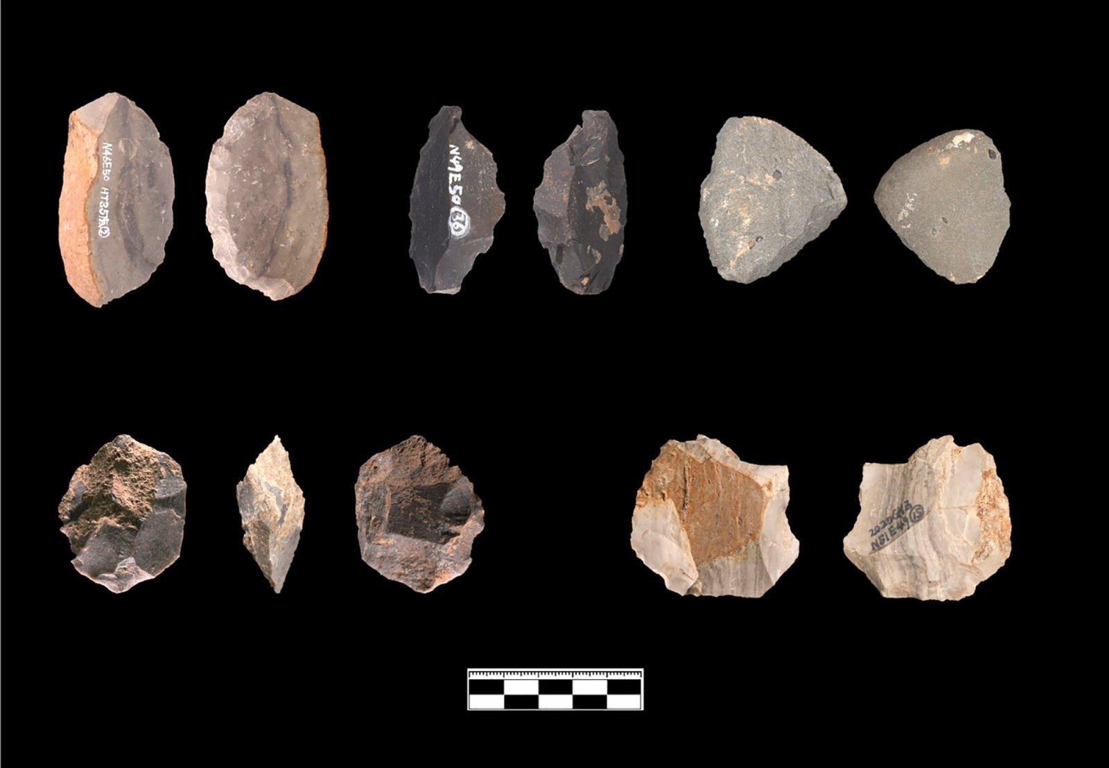 貴州貴安新區招果洞遺址出土的打制石器(資料照片)。