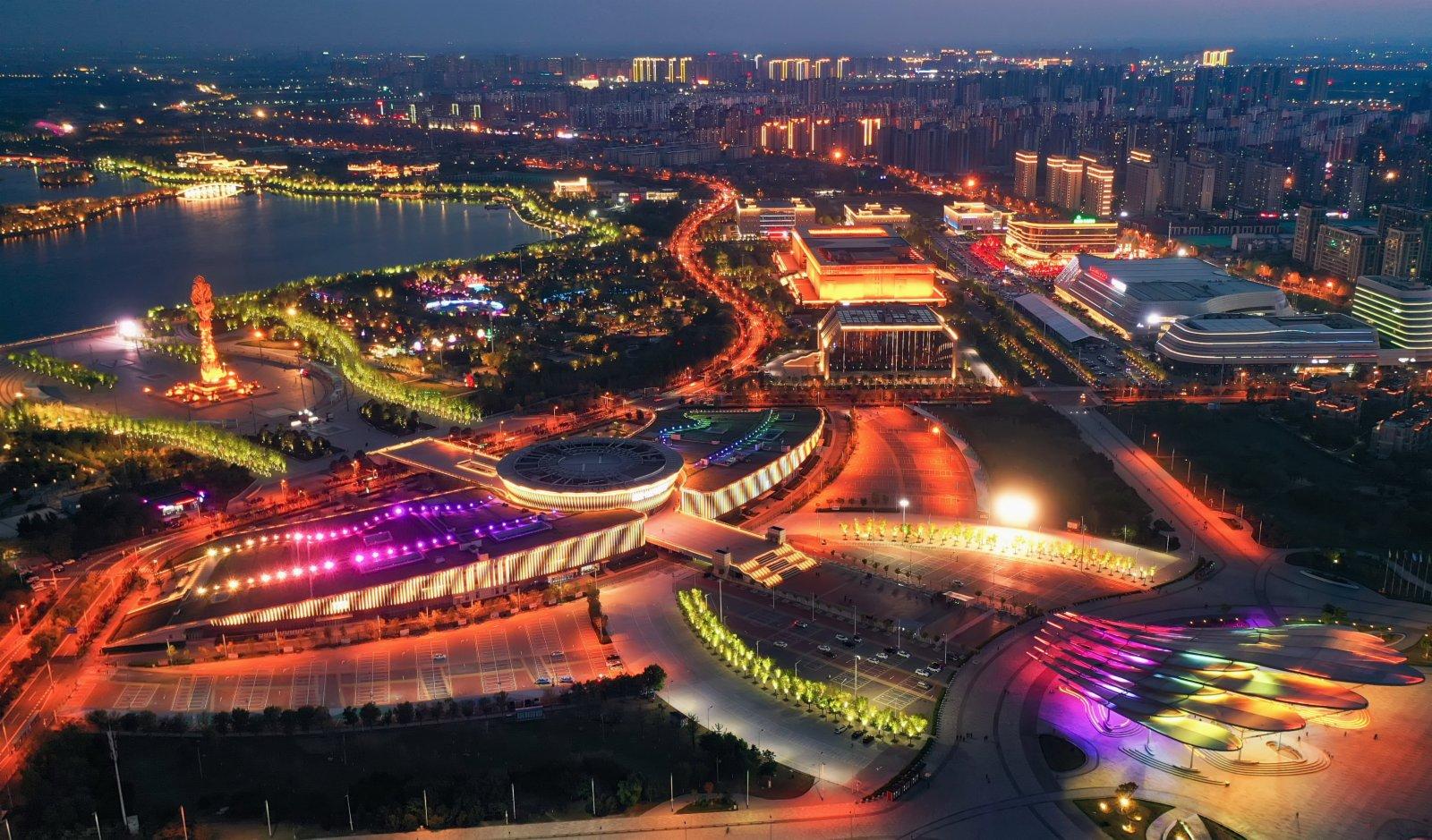 5月3日拍攝的唐山市南湖夜景