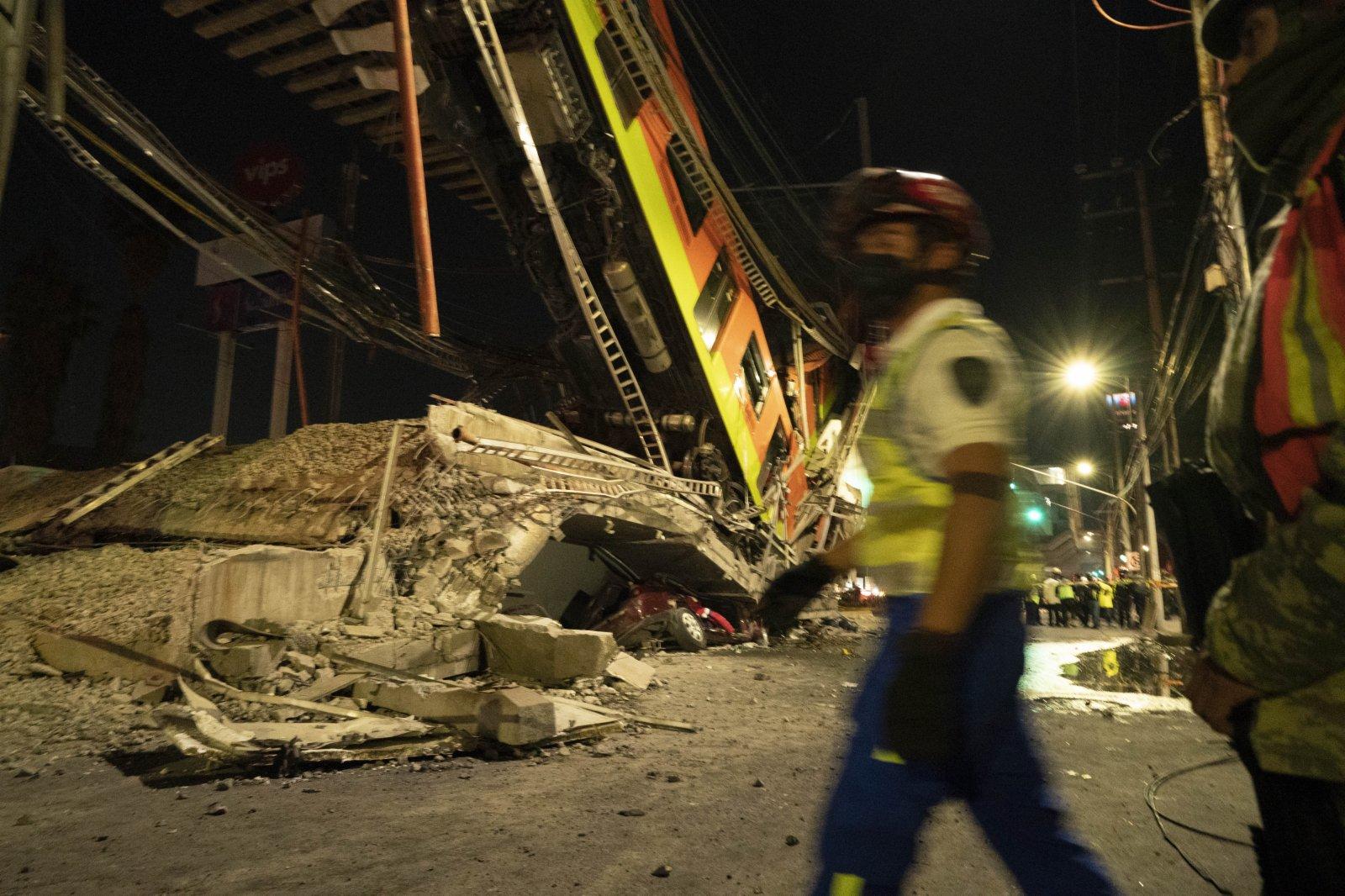 這是5月3日晚在墨西哥首都墨西哥城拍攝的坍塌現場。(新華社)