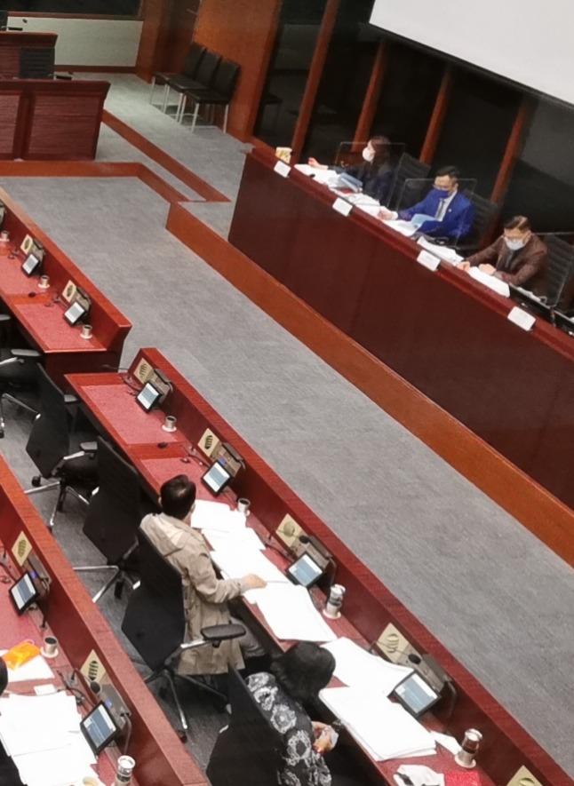 立法會本月26日審議通過完善選制條例