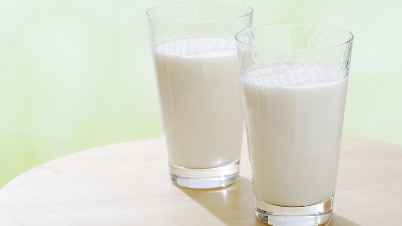 日本學校供餐牛奶導致上千人食物中毒