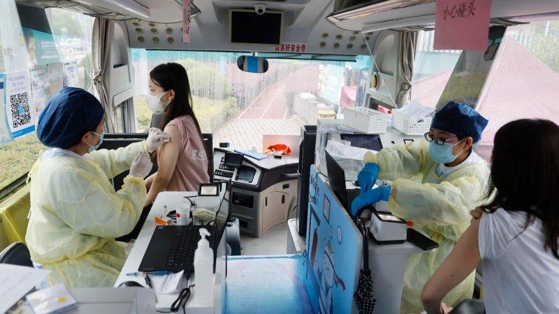 CNN讚歎中國疫苗接種速度 慘遭美國批鬥