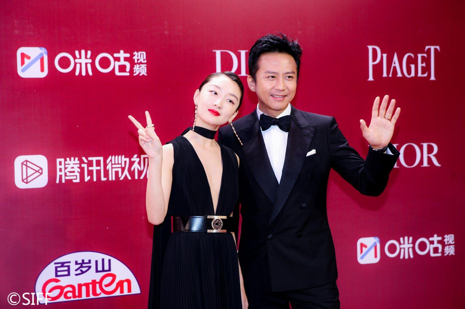 上海電影節主競賽單元評委周冬雨(左)與鄧超。(資料圖片)