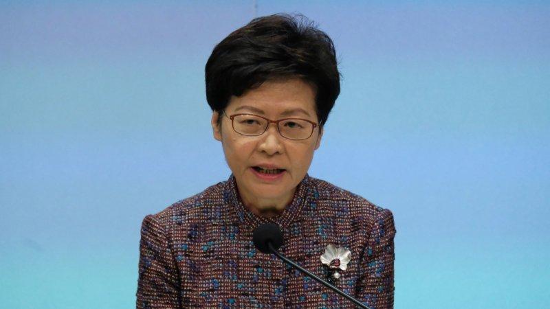 林鄭:接種率仍不足三成 社交距離新措施周四開始