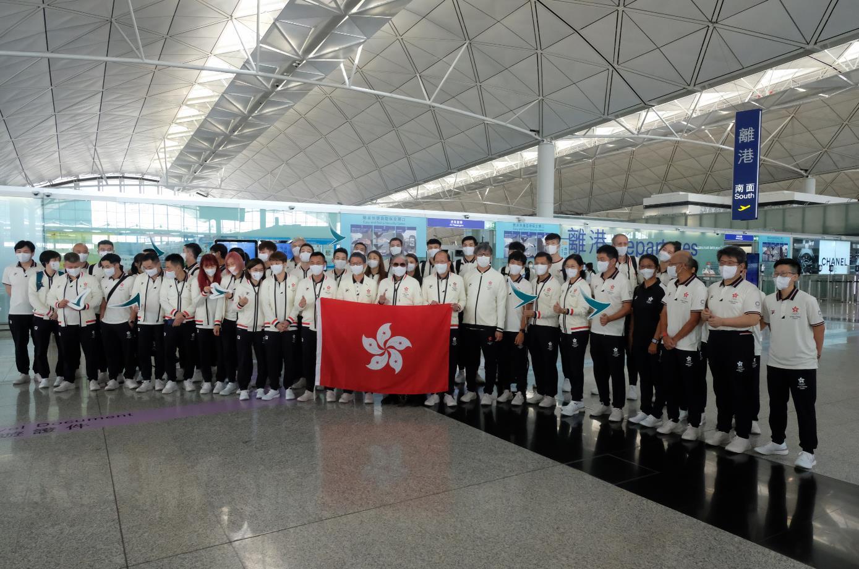 東京奧運將於7月23日正式開幕,香港劍擊、乒乓球、羽毛球、體操等奧運代表今早出發。(大公文匯全媒體記者麥鈞傑攝)