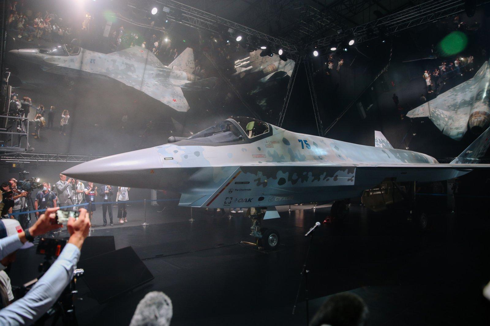 在俄羅斯首都莫斯科附近的茹科夫斯基市,俄第五代單發多用途輕型戰鬥機「Checkmate」的原型機亮相航展。