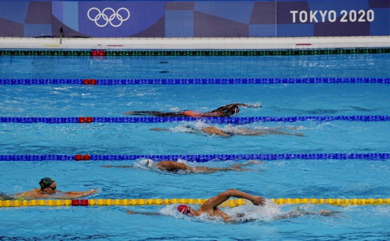 當地時間7月21日,東京奧運會開幕在即,各國運動員在東京水上運動中心進行適應場地訓練。  中新社