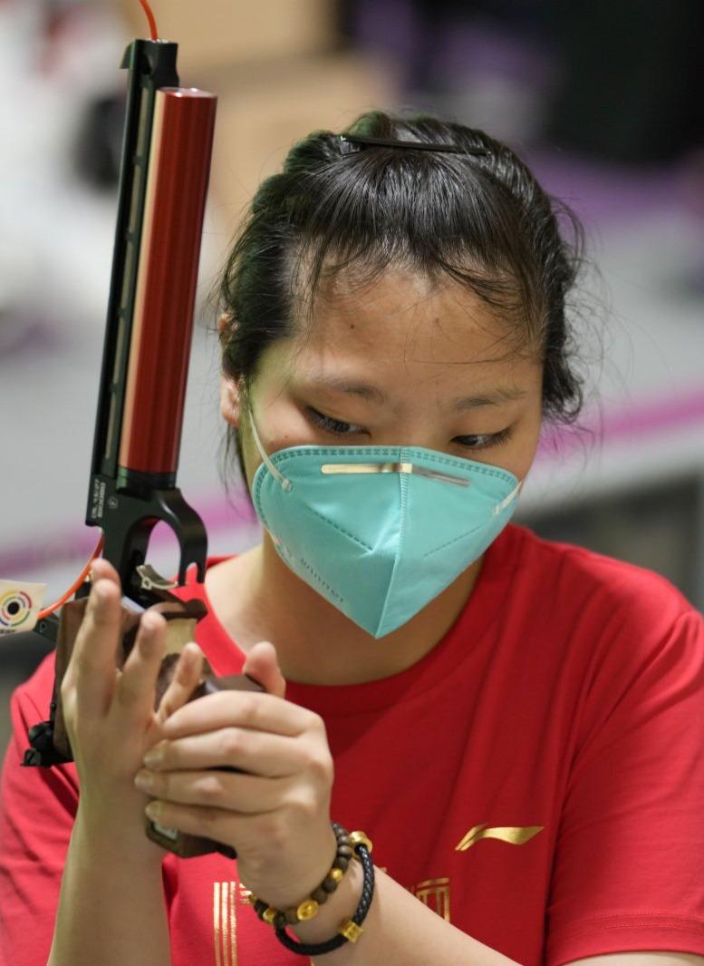 祝賀!姜冉馨獲得女子十米氣手槍銅牌