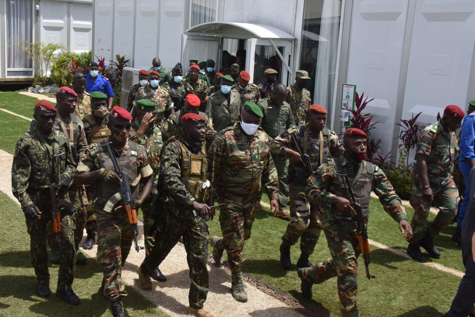這是9月6日在幾內亞科納克里拍攝的政變軍隊。新華社
