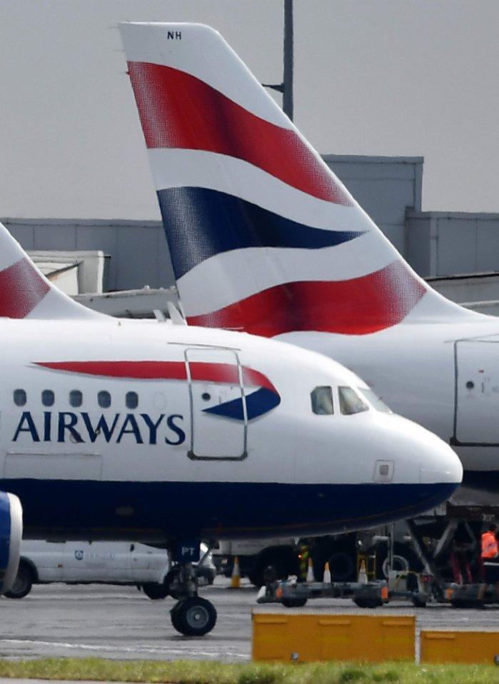 英國變更入境免檢疫安排 港府着手更新針卡