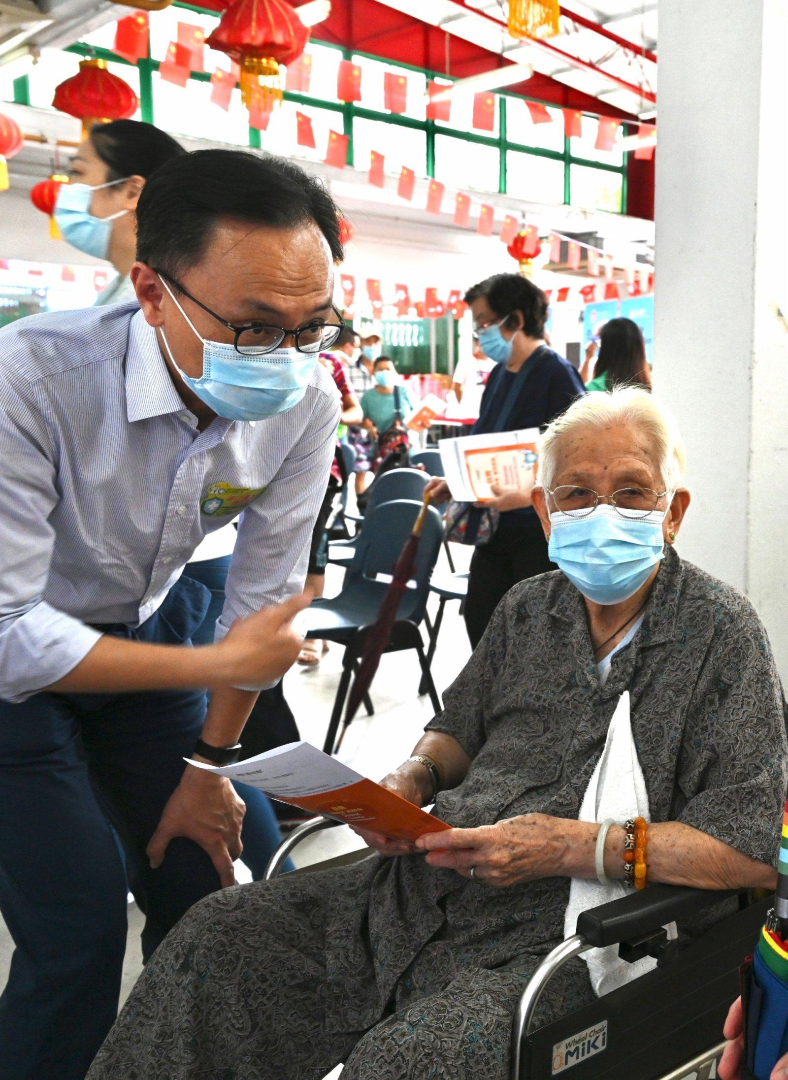 疫苗接種隊入大澳服務 127名長者及居民即場打針